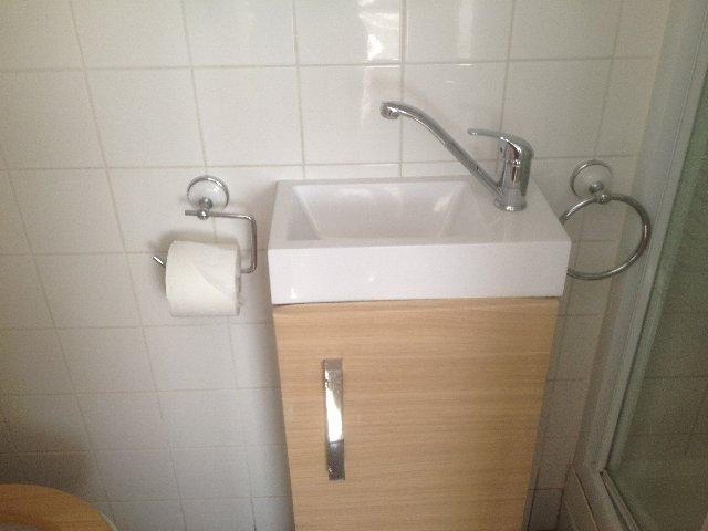 tiny_hotel_sink